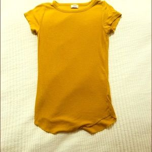Aritzia Wilfred Cairo Gold Tee Shirt